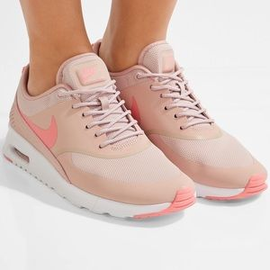 Nike Air BBC Max Thea in Pink